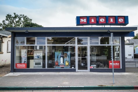 Miele appliance shop on Petaluma Blvd