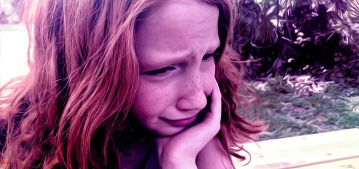 bambina triste