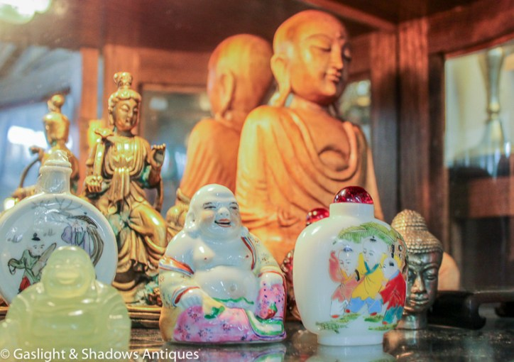 Buddha figure, Chinese snuff bottles