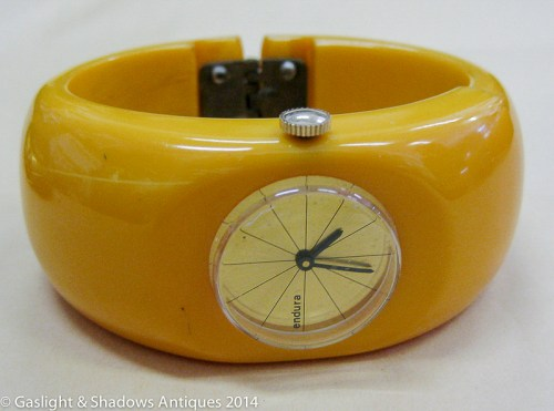 bakelite_bracelet_watch