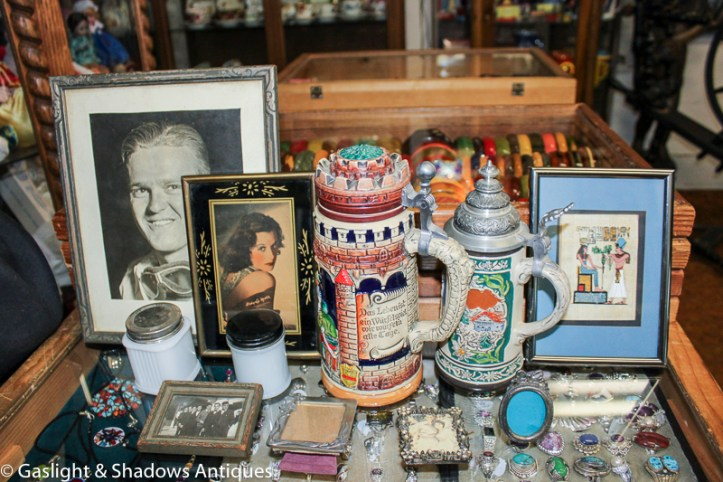 beer steins, photos, picture frames