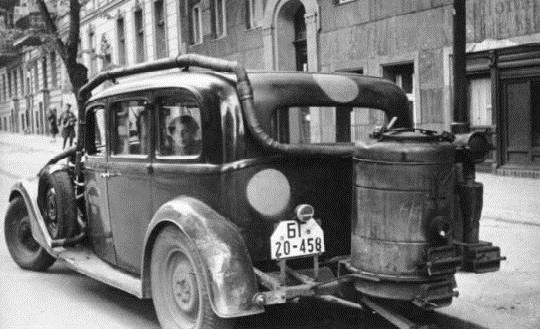q12 - Carros movidos a Gasogênio