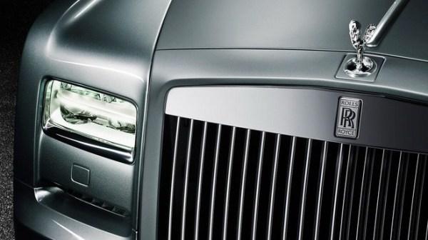 r7 - CULLINAN o SUV da Rolls-Royce