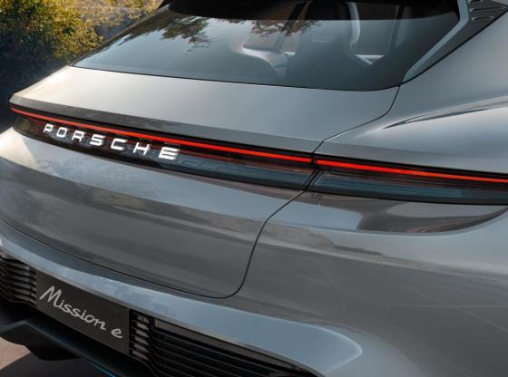 porsche zoom2 - Porsche Mission E