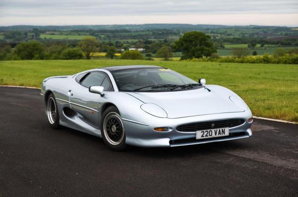 j10 - Os carros da Jaguar