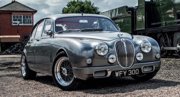 q1 3 - Os carros da Jaguar