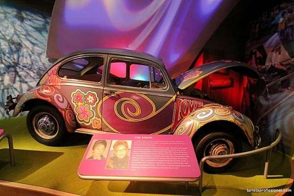q41 1 - 50 anos do Festival de Woodstock, muito rock, paz, amor e carros.
