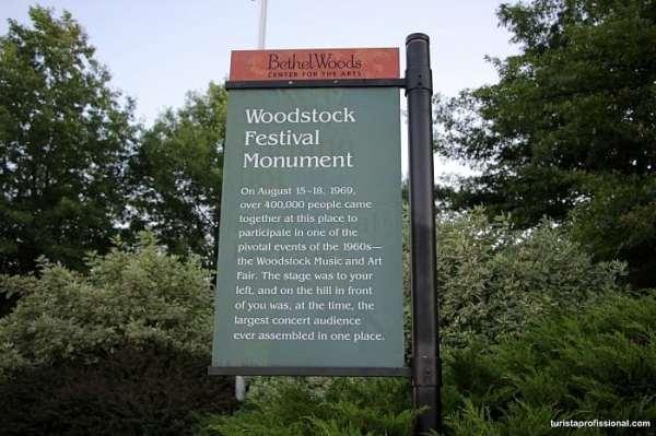 q46 - 50 anos do Festival de Woodstock, muito rock, paz, amor e carros.
