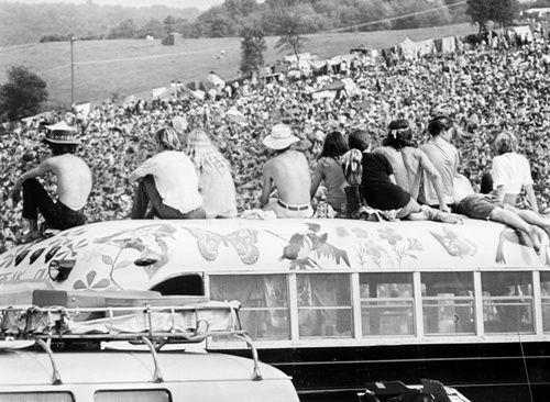 q8 5 - 50 anos do Festival de Woodstock, muito rock, paz, amor e carros.