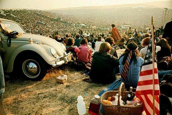 w10 1 - 50 anos do Festival de Woodstock, muito rock, paz, amor e carros.