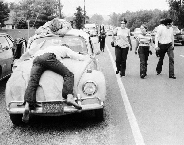 w16 1 - 50 anos do Festival de Woodstock, muito rock, paz, amor e carros.