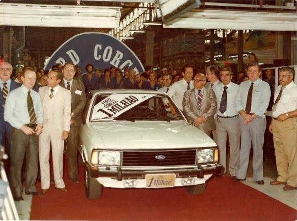 q15 3 - Ford Corcel e Belina