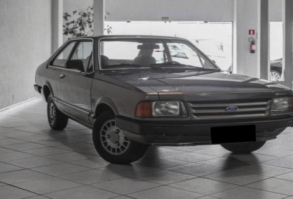 q22 - Ford Corcel e Belina