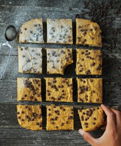 Healthy Blondies (only 8 ingredients)