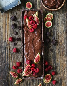 Chocolate mousse tart with fruits