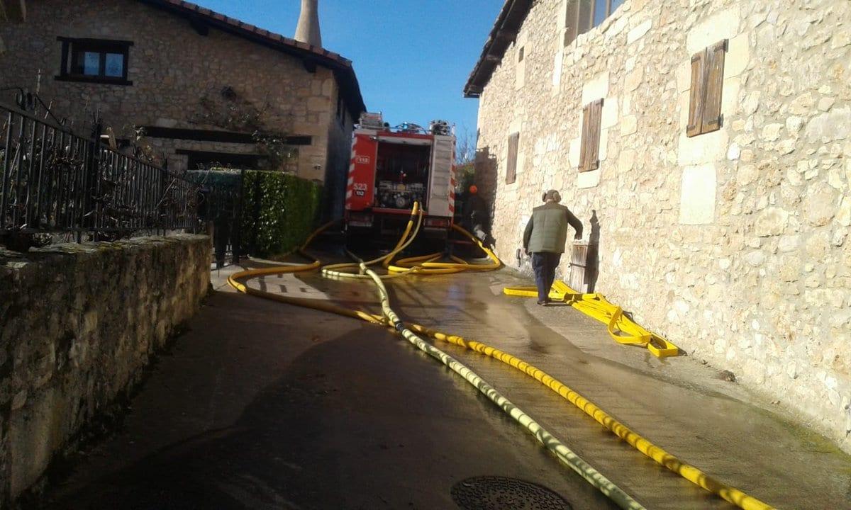 Incendio en Baroja | Foto: Arabako Foru Suhiltzaileak