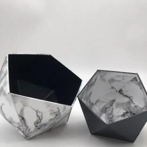 "AF507DAE 3C3A 473B 84A4 59A626575FD7 rotated - Leewalia - Boite Origami ""Marbre blanc et noir"""