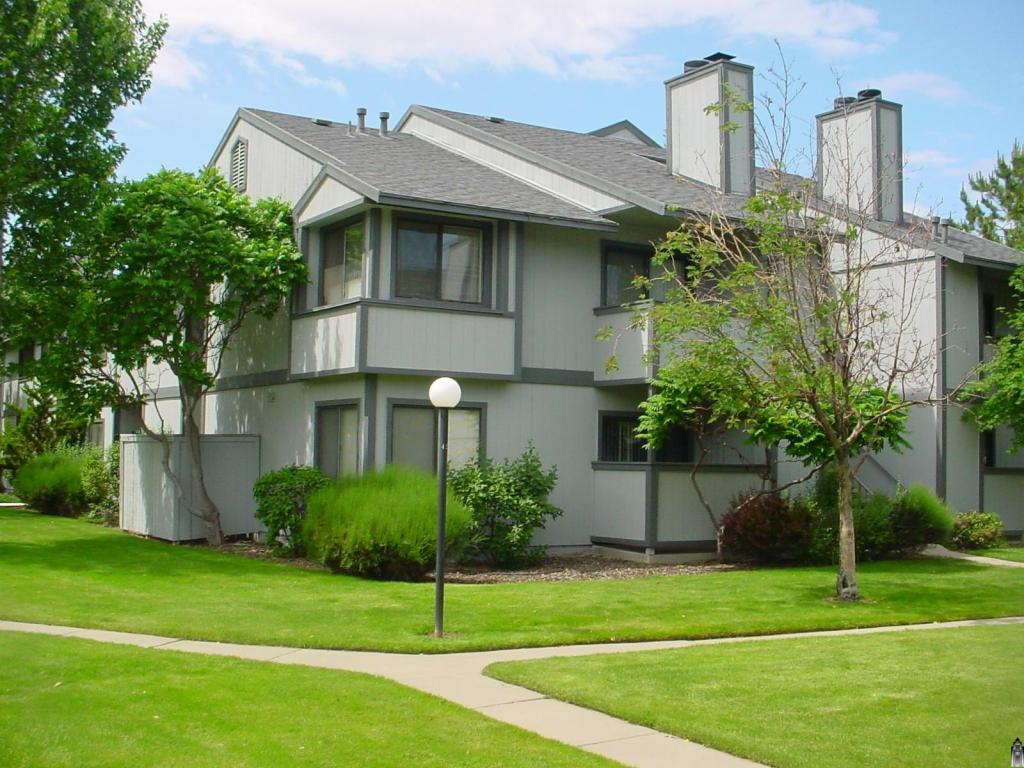 Redfield Ridge Apartments