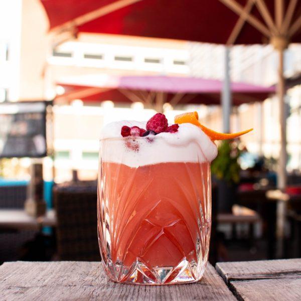 Aposto-Cocktail-Terrasse