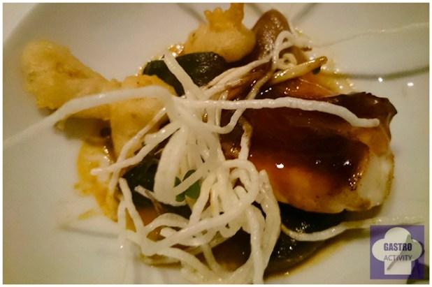 Pixin alangostado con hongos en restaurante Kuiru de Madrid
