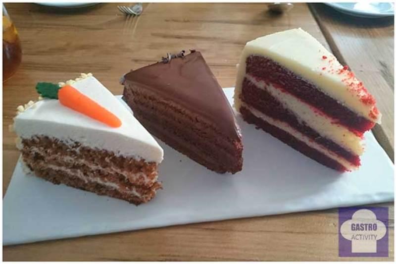 Tarta de zanahoria, de Chocolate y Red Velvet Restaurante La Pilla