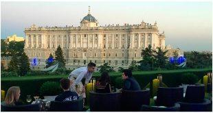 Apartosuites Terrraza Jardines de Sabatini Madrid Palacio Real