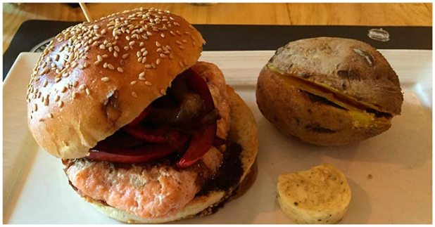 Hamburguesa de salmon Gobu Burger Madrid