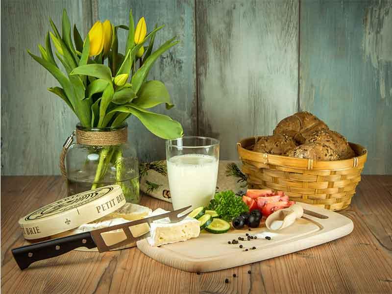 Desayunos saludables zumo y pan