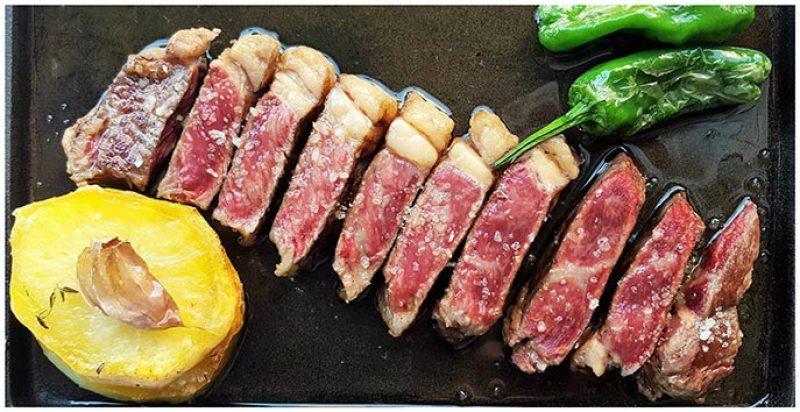 Le Château de l´entrecôte restaurante de carnes con toque frances
