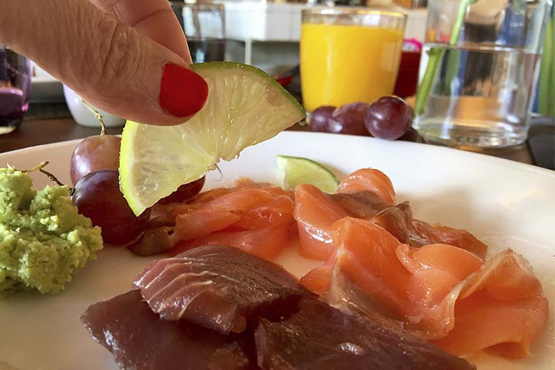 Salmon y atun Brunch de Only YOU Hotel Atocha