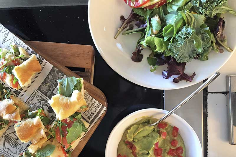 Ensaladas y Foccacia Brunch de Only YOU Hotel Atocha