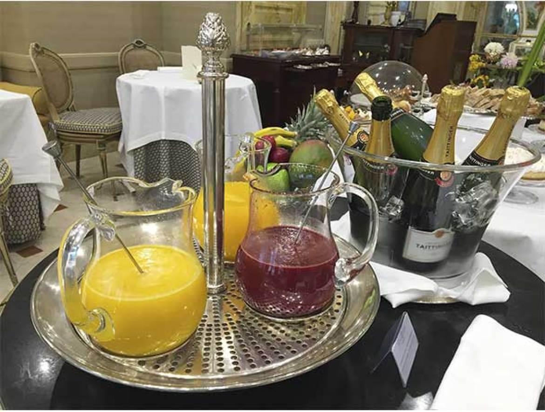 Zumos naturales brunch del Hotel Orfila