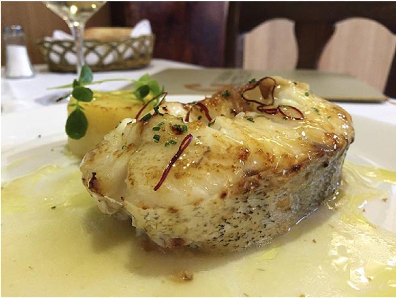 Tronco de merluza a la Ondarresa Restaurante Taberna Gaztelupe