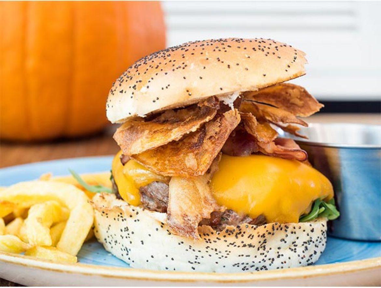 Halloween 2017 Queen Burger Gourmet
