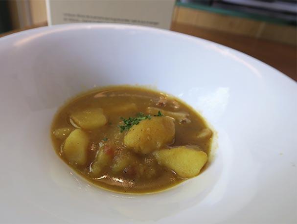 Guiso de papas con chocos Lambuzo nuevos platos de cuchara