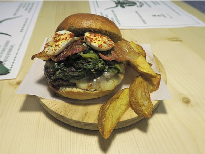 Galeguesa de temporada hamburguesa gallega