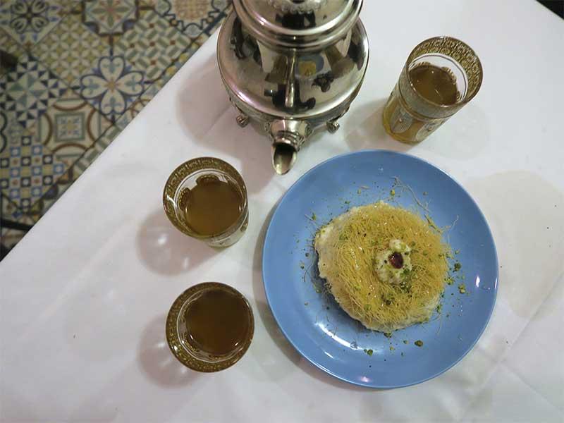 Restaurante Fairuz comida libanesa Madrid postre Othmaiyeh