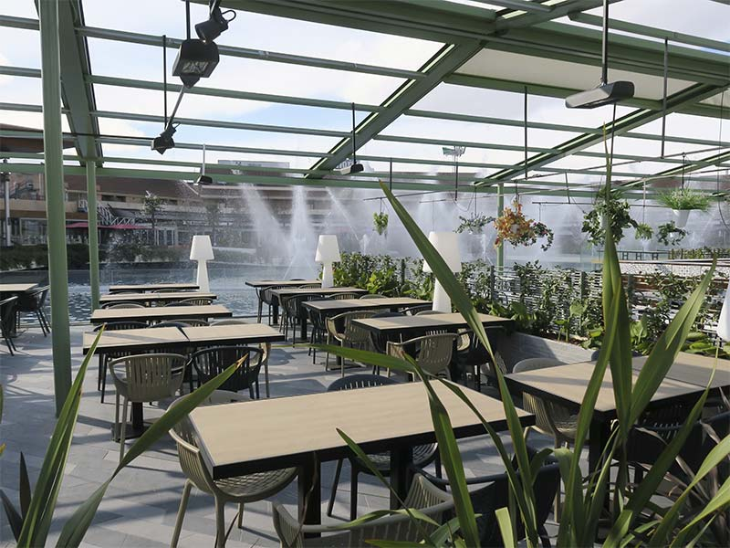 Blue Frog American Grill terraza