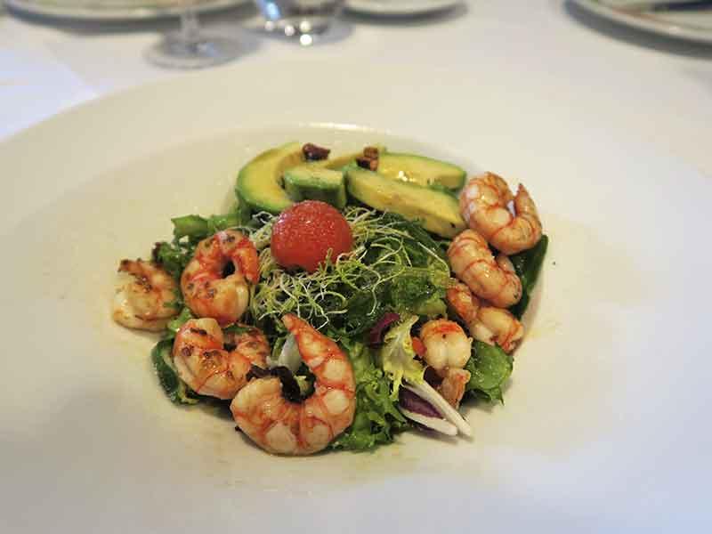 restaurante San Francisco El Pardo Ensalada de alga wakame con langostinos, aguacate y Cherrys