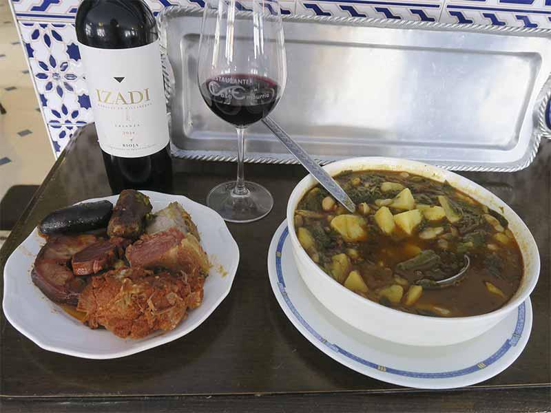 Casa Emburria Pote asturiano con compango