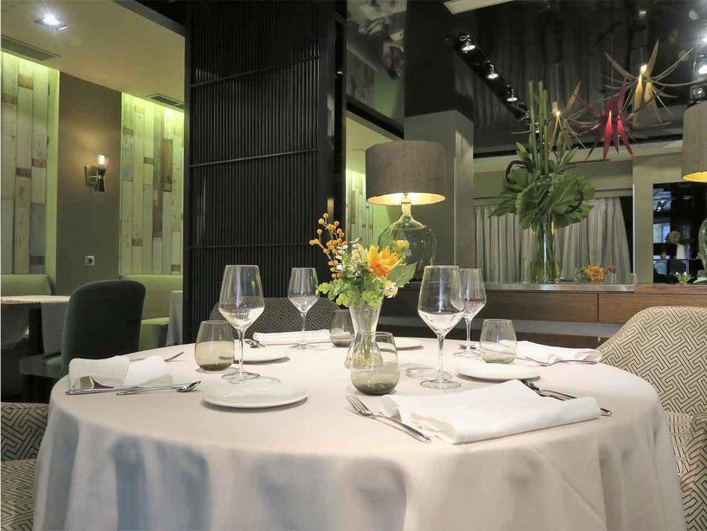 Sando el restaurante cerca de la Gran Via en Madrid