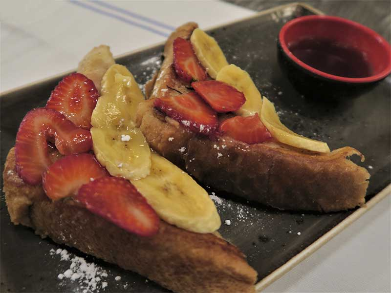 El Escondite de Villanueva French Toast