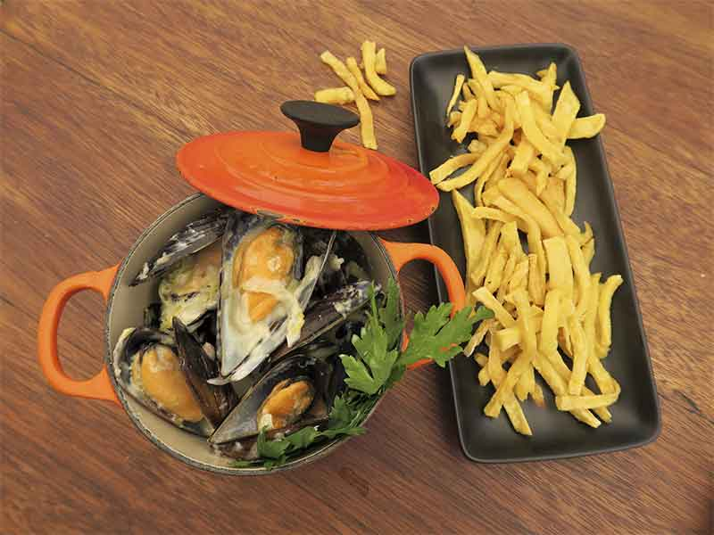 Restaurante Midtown Madrid Moules et Frites
