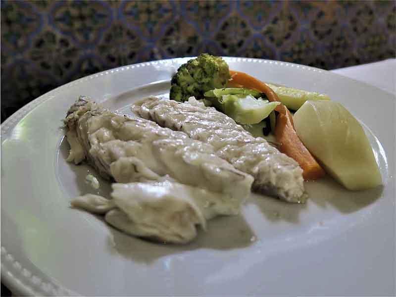Restaurante Tejas Verdes Lubina a la sal