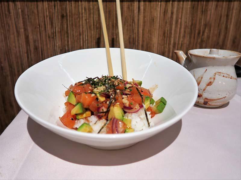 Restaurante Ayala Japon Poke de salmon