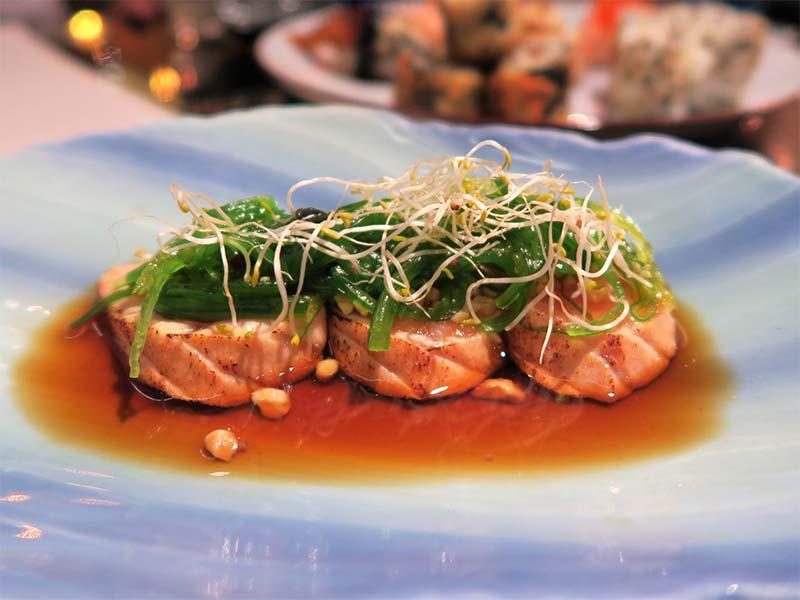 Restaurante Ayala Japon tataki de salmon