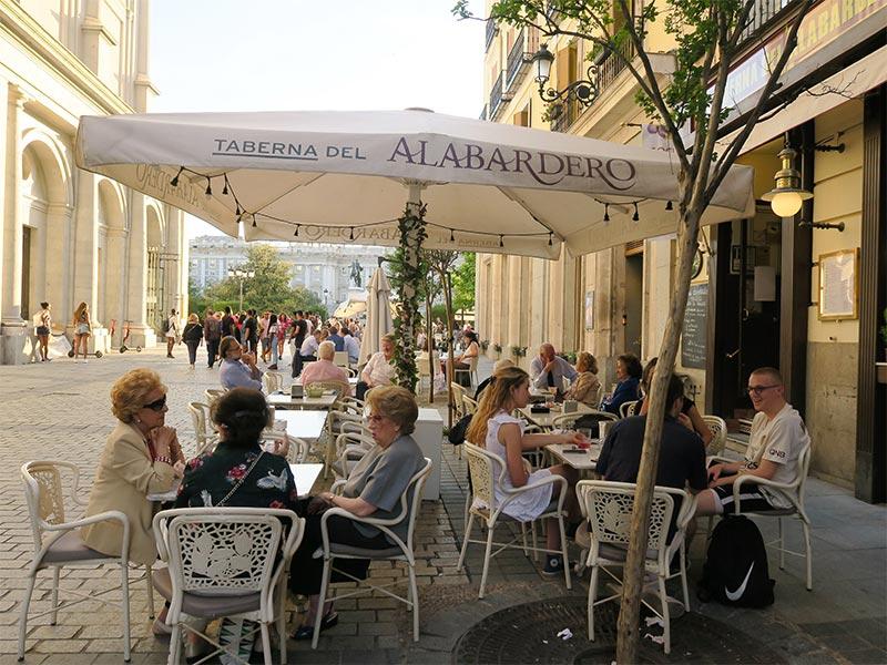 Comer cerca del Palacio Real Taberna El Alabardero