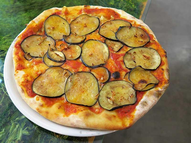 Pizzi&Dixi Restaurante Vegano Madrid Pizza Berenjena y Ajo