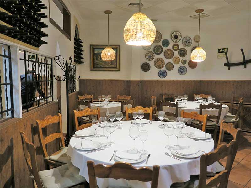 Restaurante Rias Bajas Clara del Rey comedor