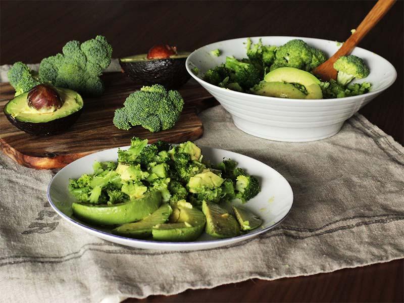 Receta de ensalada de Brocoli y Aguacate